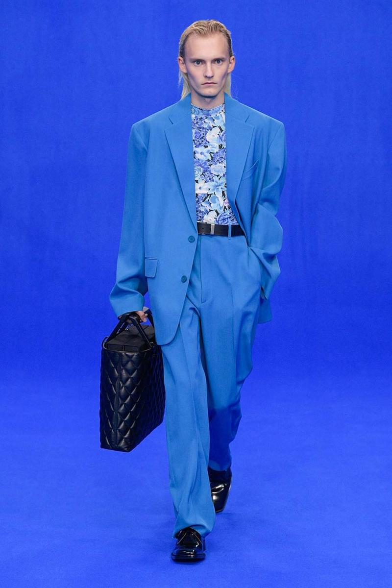 뎀나 바잘리아의 발렌시아가, 파리 패션위크 2020 봄, 여름 컬렉션 런웨이