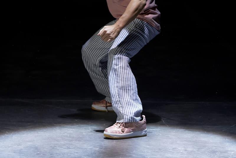 클롯 x 나이키 에어 포스 1 '로즈 골드 실크' 발매 정보 및 견자단 출연 화보 이미지, cj5290-600