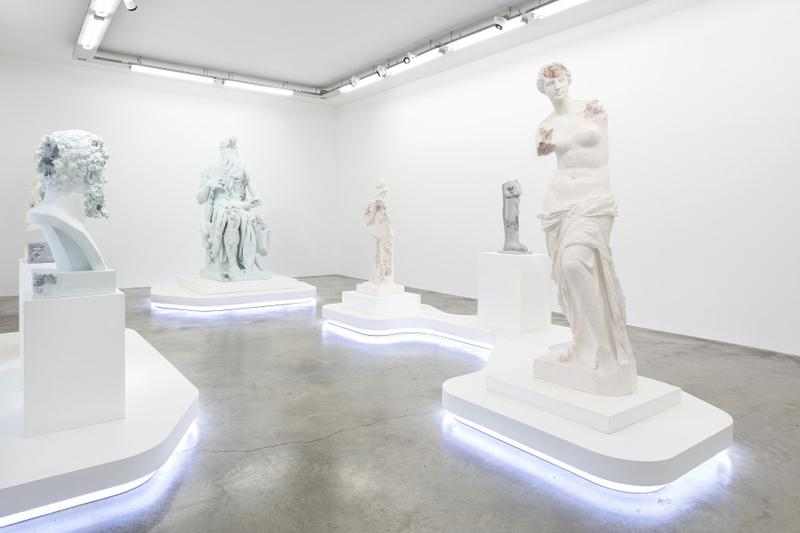 다니엘 아샴의 조각 전시 'Paris, 3020', 파리 갤러리 페로탕 일정, 모세상, 미켈란젤로, 그리스