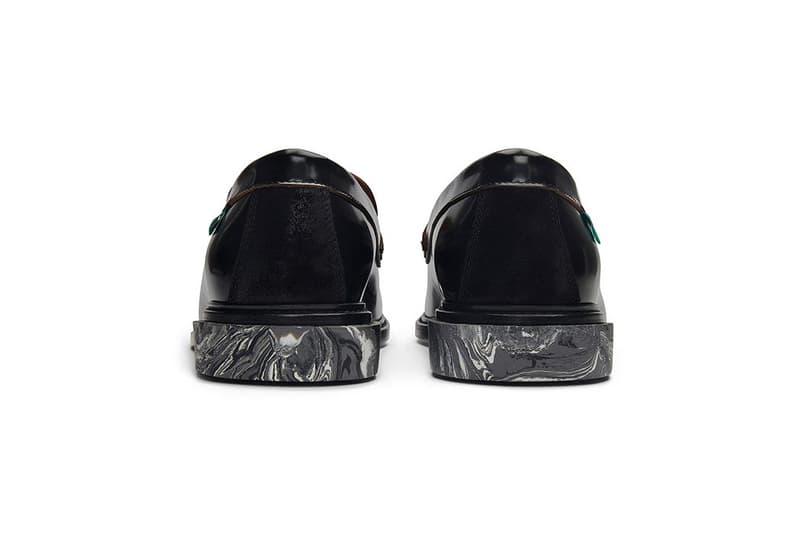 버질 아블로의 오프 화이트, 대리석 효과의 고무 아웃솔을 적용한 신상 태슬 로퍼 공개