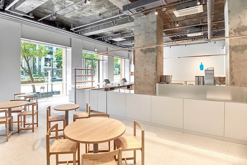 서울 빌딩 숲 사이 청계천을 품은, 블루보틀 광화문 카페 들여다보기