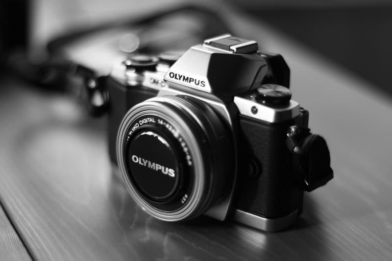 올림푸스, 디지털 카메라 사업부 매각, 포서드 렌즈, 미러리스, 컴팩트 디지털 카메라, PEN, OM-D, 현미경, 의료용 광학기기