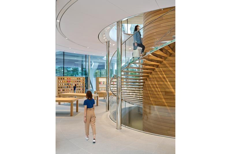 애플, 사과나무를 형상화한 새 방콕 매장 '애플 센트럴 월드' 공개, 아이폰, 에어팟, 맥북, 애플 워치