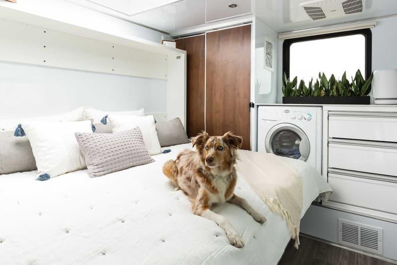 리빙 비히클, 전기차 충전소까지 갖춘 이동식 캠핑 트레일러 출시, 전기차 충전소