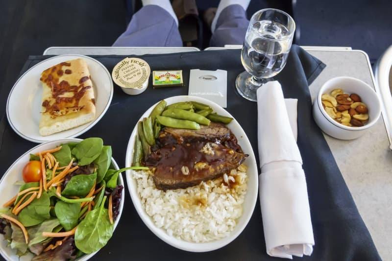 초호화 여객기에서 3시간 코스 점심 식사를 즐기는 팝업 레스토랑이 등장했다, 싱가포르항공