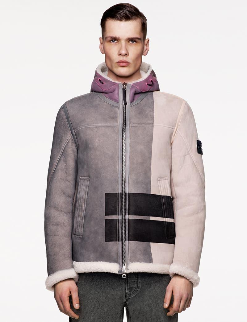 스톤 아일랜드, 수작업 페인팅으로 완성한 양가죽 후디 재킷 출시, 나침반 로고