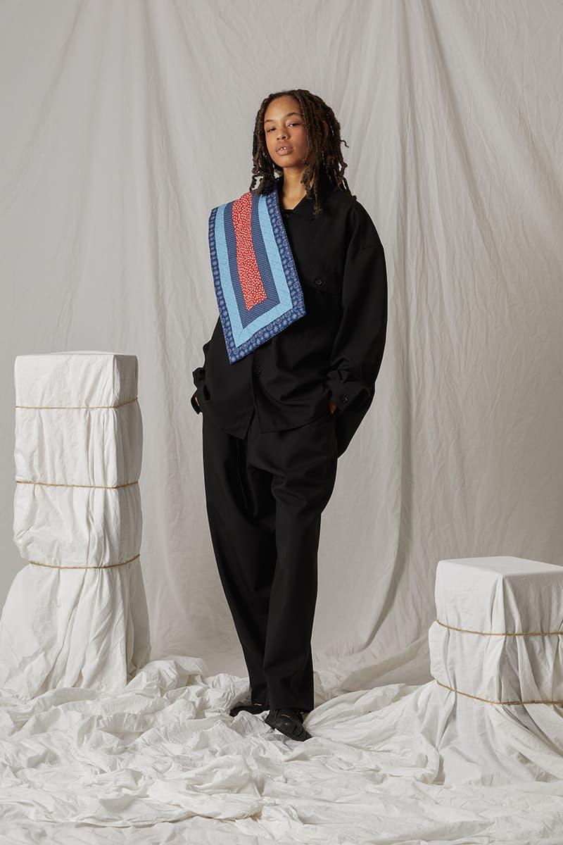 s.k. 매너 힐, 현대인의 직장 생활에 초점을 맞춘 2021 봄, 여름 컬렉션 룩북, 뉴욕 패션 브랜드, 암벽등반, 주얼리