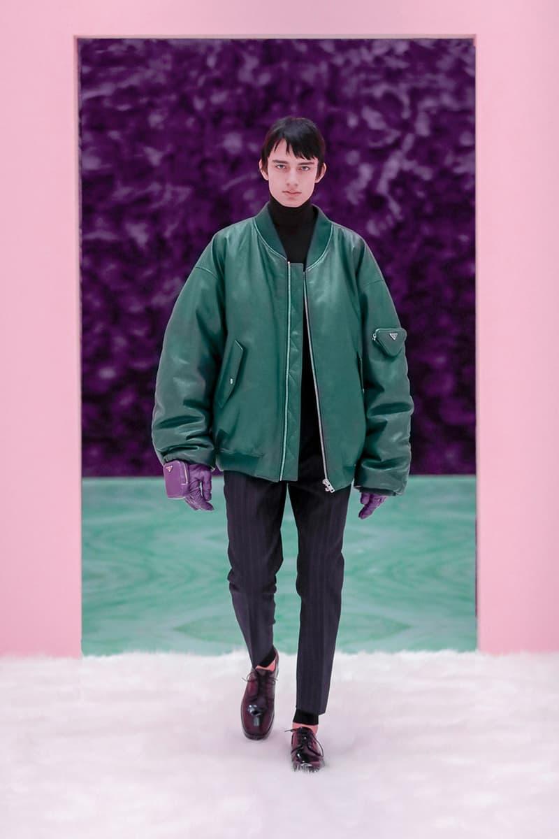 라프 시몬스가 디자인한 첫 번째 프라다 남성복 컬렉션 공개, 미우치아 프라다