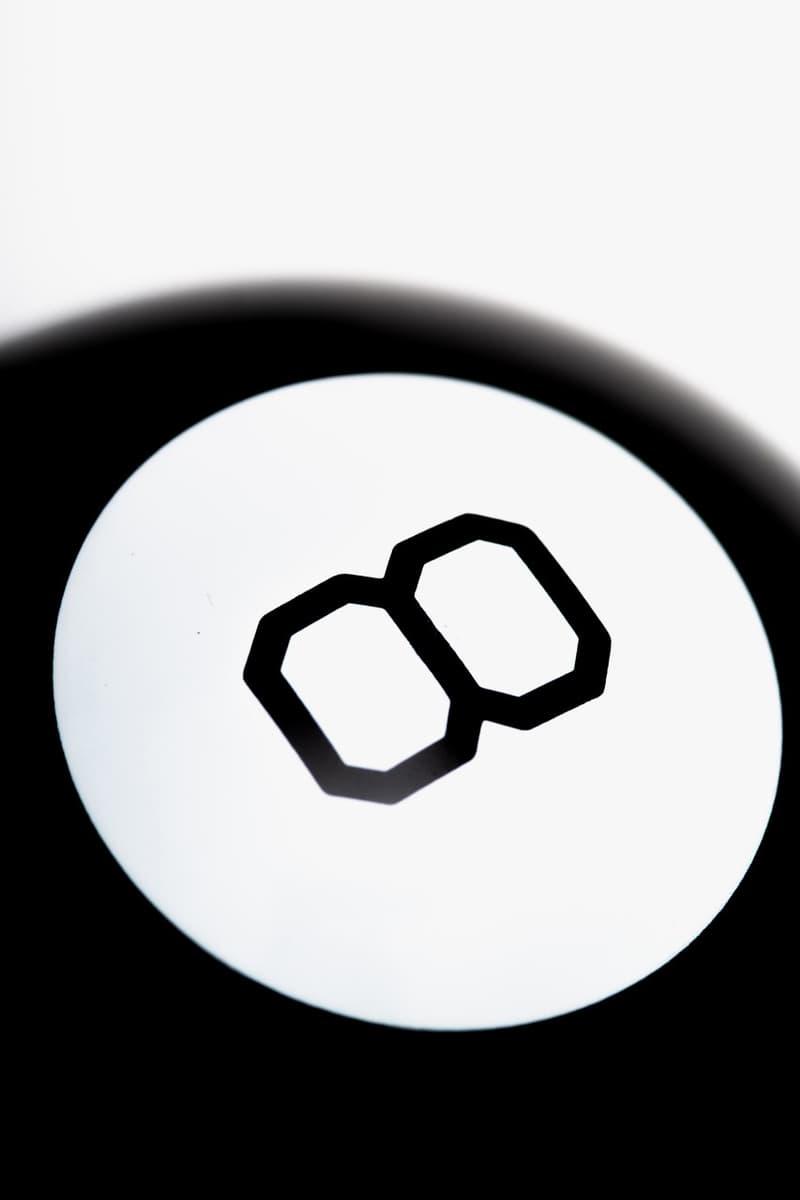 스투시, 브랜드의 상징 '에잇볼'을 본뜬 매직볼 및 티셔츠 출시, 마텔, 협업 아이템, 장난감