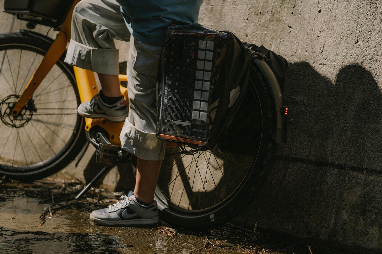 스페셜라이즈드, 도심을 겨냥한 전기 자전거 'Como SL' 캠페인 공개 specialized lionclad 전기자전거 전기 자전거 e bike